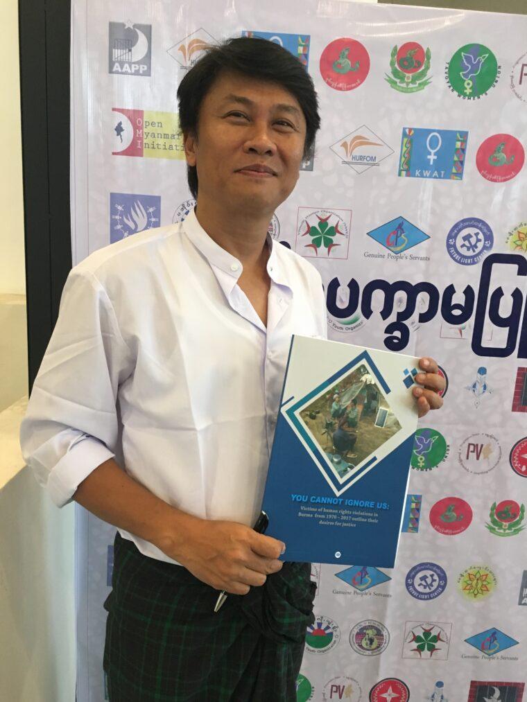 : Han Gyi från partnerorganisationen ND Burma med en rapport om dokumentation av människorättskränkningar.